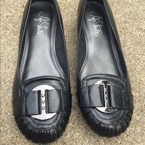 Women's Life Stride Lot of 2 Flats Shoes Size 8.5M